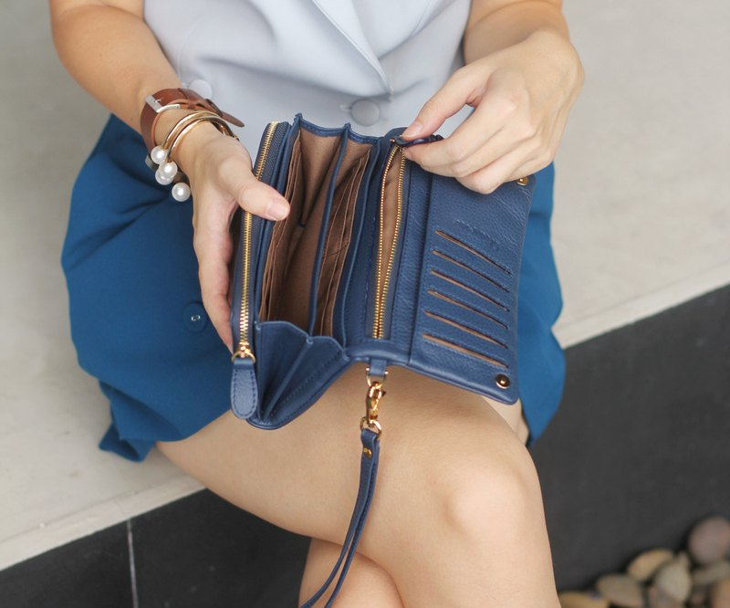Mousse wallet (Navy) : Long wallet, leather wallet, navy, cow leather