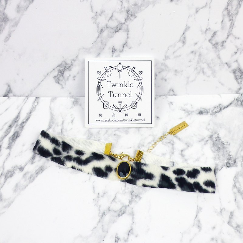 Black and white leopard black diamond paste fluff neck Necklace