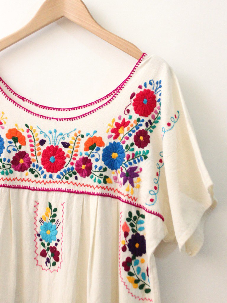 Vintage American Mexican Flower Embroidery Rice White Short Sleeve Vintage Dress Vintage Dress