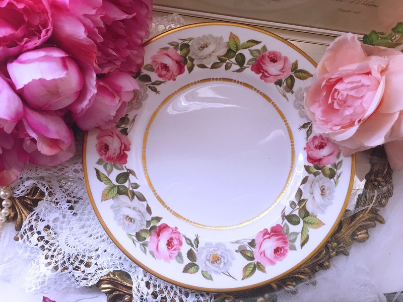British bone china Royal Worcester 1960 hand-painted rose bone china cake plate inventory
