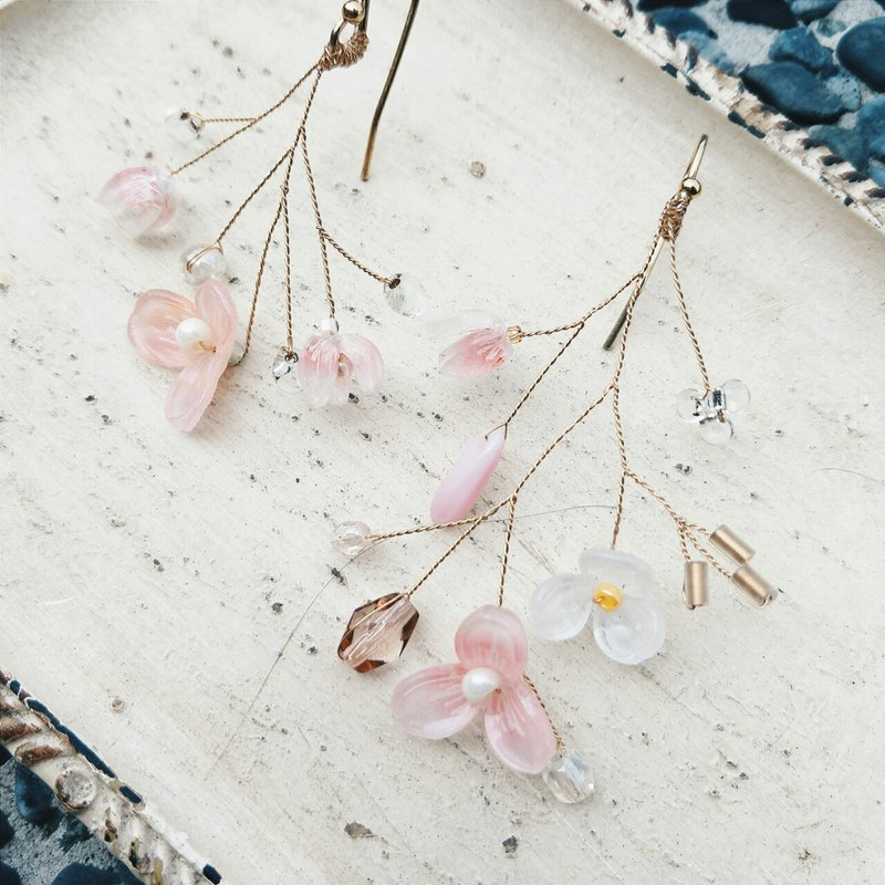 Momolico peaches can not be lining bouquet earrings spring breeze