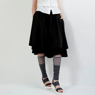 Double straps with skirt pants