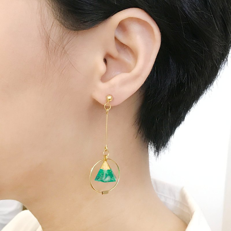 [ earrings] Miss Kiko's secret * can be clipped