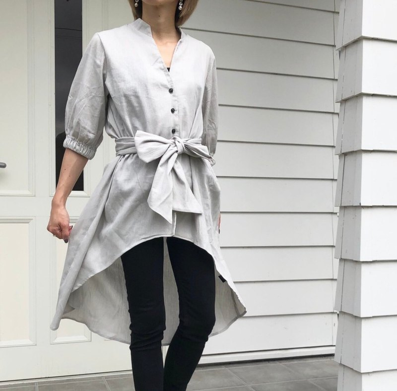 Asymmetric gray shirt