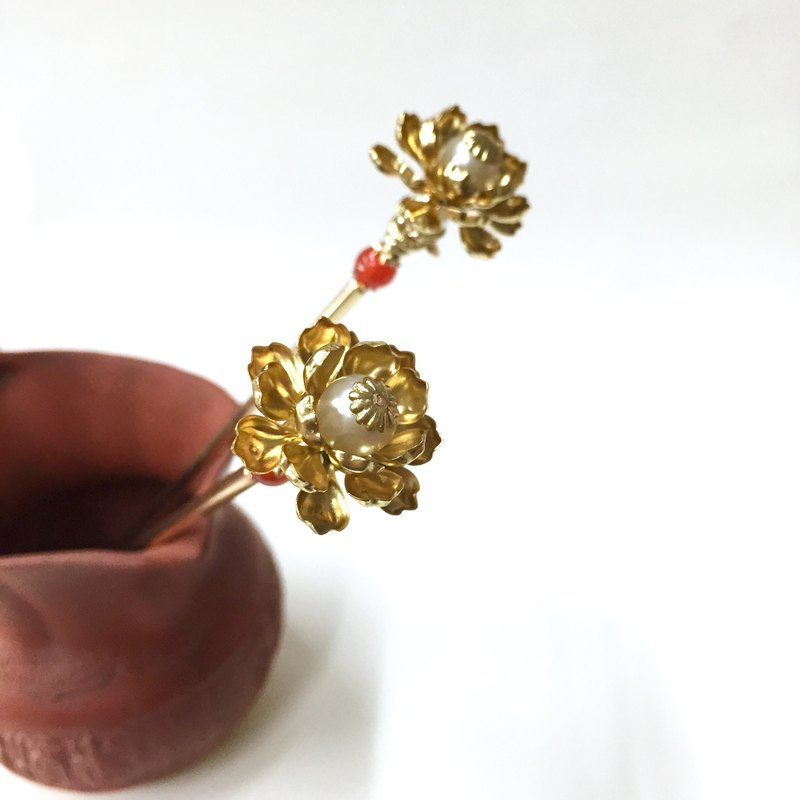 Lotus 苼. Antique pearl lotus hairpin. Red agate pearl multi-Po hairpin. Han Chinese clothing / antiquity / kimono / cosplay / classical hairpin.