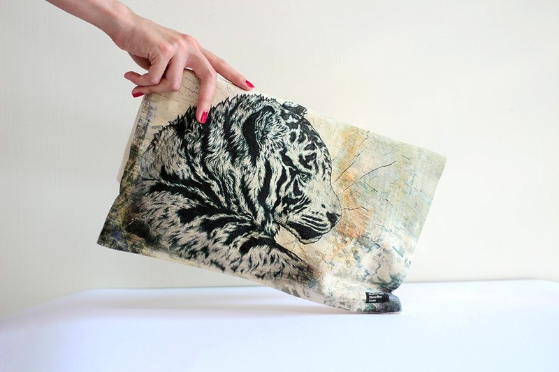 Animal Equality Clutch Bag—Rainforest(Tiger)