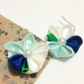 Kanzashi blue ribbon flower earrings(つまみ細工)