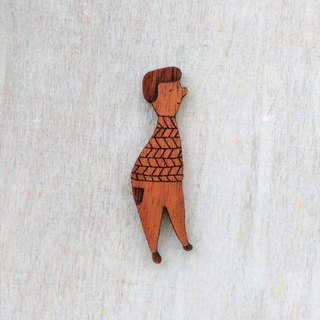 Holiday / mahogany brooch