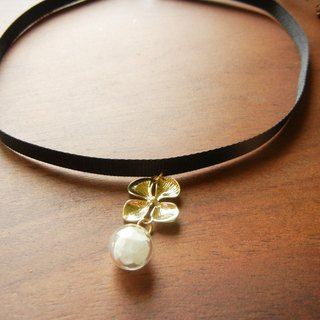 *Coucoubird*Hydrangea Black Ribbon Necklace