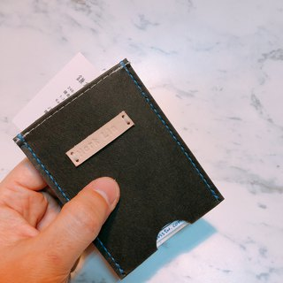 Minimalist Life Lightweight Business Card Holder Black One Card Layer