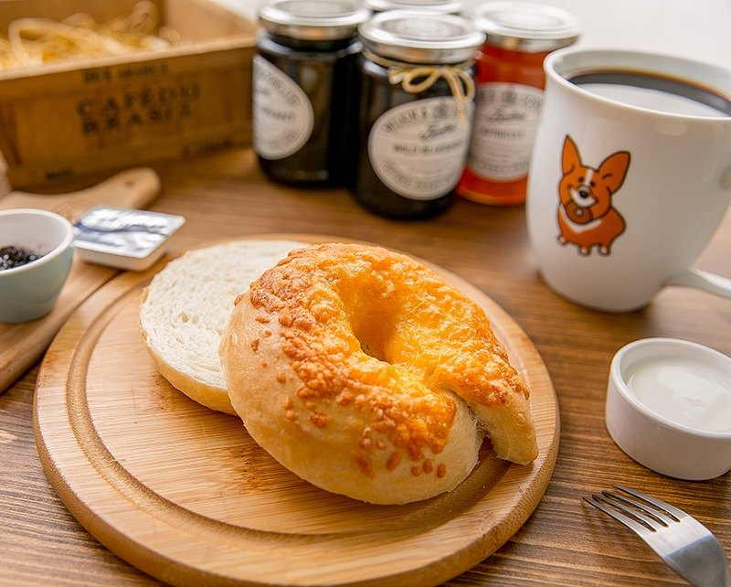 Mr. Butter Cafe Creamy Natural Yeast Handmade Bagel Onion 5