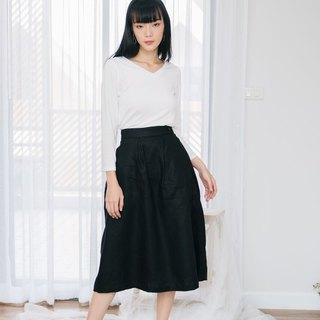 Pleated Long Skirt in Black