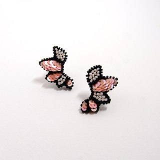 Wings Embroidery Earrings / Pink