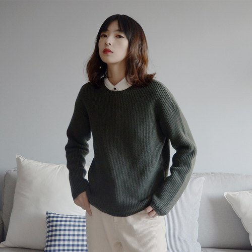 Christmas forest green round neck sweater | sweater | Wool + acrylic + fiber | Indie brand | Sora-96