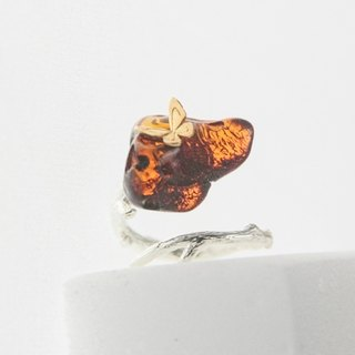 READ Dazzling Clear Wishes | Amber 18K Gold Butterfly 925 Silver Ring
