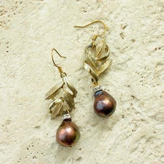 Antique gold leaf with baroque pearl drop earrings