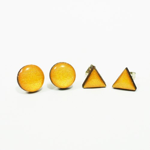 Tiny geometric triangle and circular wood earrings - gold