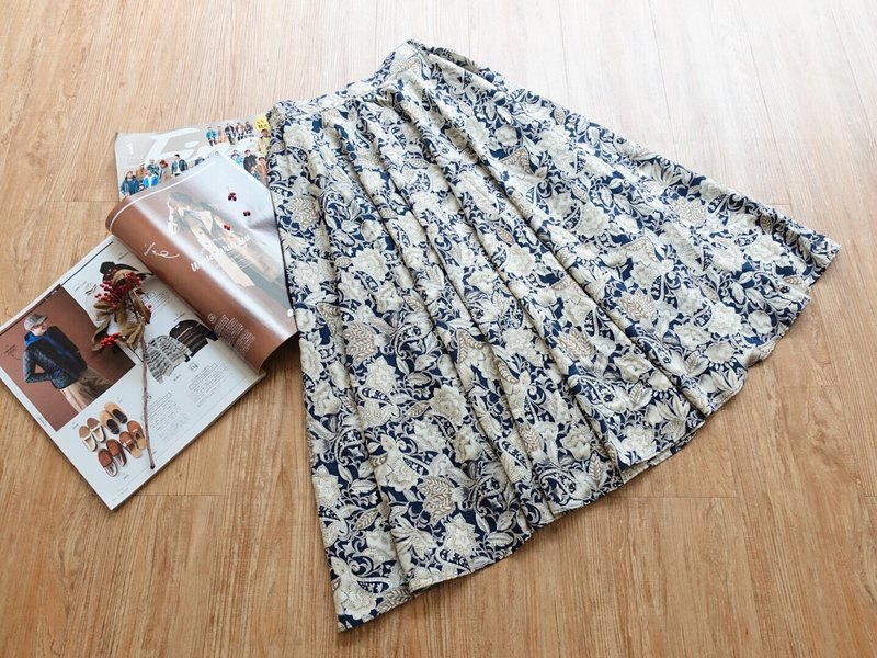 Vintage under / skirt no.115 tk