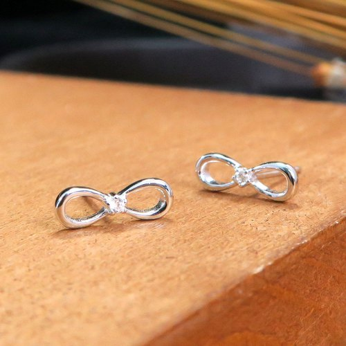 Small Diamond Bow Silver Earrings (White K Gold)