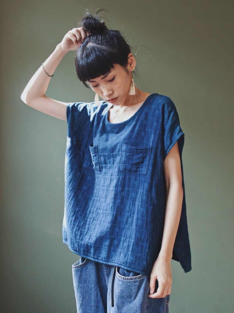 OMAKE natural blue dyed small plaid wide sleeve with sleeves top