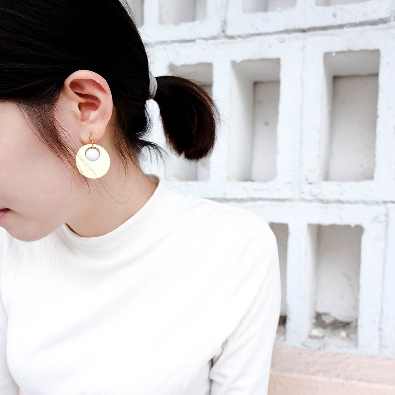 White Marble Pattern Concrete Gold Vintage Earrings