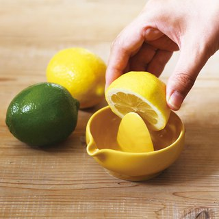 MEISTER HAND Squeezing Lemon