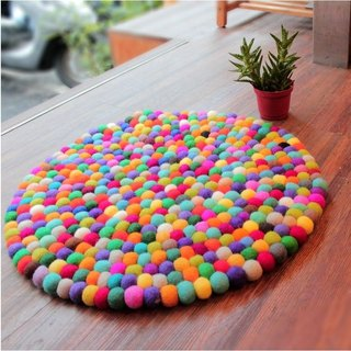 ✱ wool felt balls circular mats ✱ (random shipments do not pick the color)