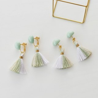 イヤリング/Dome tassel earrings/ green grege