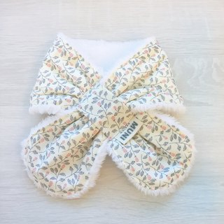 Warm scarf (white flowers)
