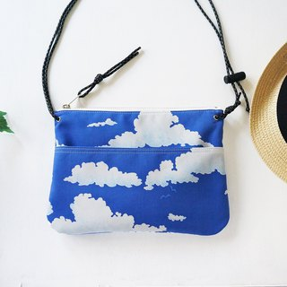 Blue sky and clouds Shoulder bag