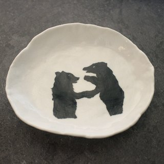Hand-painted black bear storage dish [Ceramic 01]