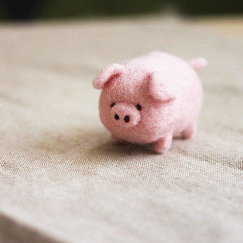 圓滾滾可愛豬豬羊毛氈鑰匙圈材料包 新年禮物(附影片教學)