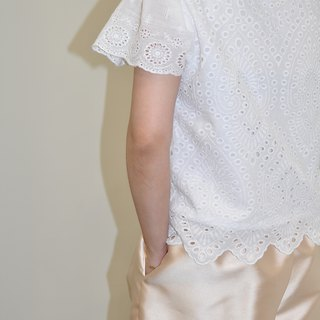 Flat 135 X Taiwanese Designer White Lotus Sleeve Top Cotton Hollow Embroidery Fabric Simple Top