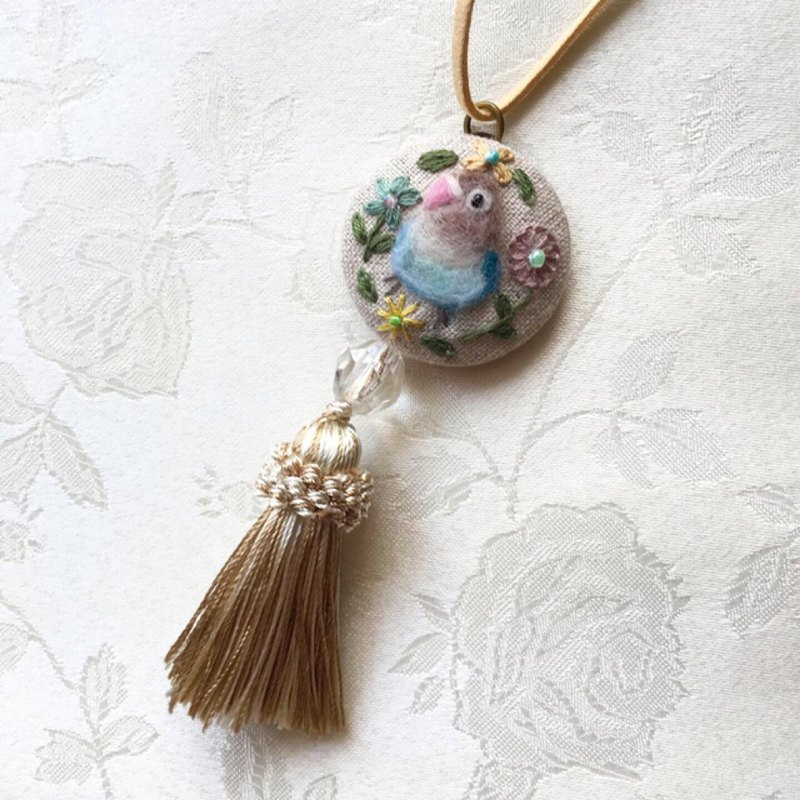 necklace of budgerigar