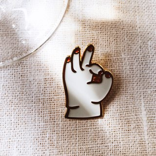 Pin Copper pin - Baby Hand OK White