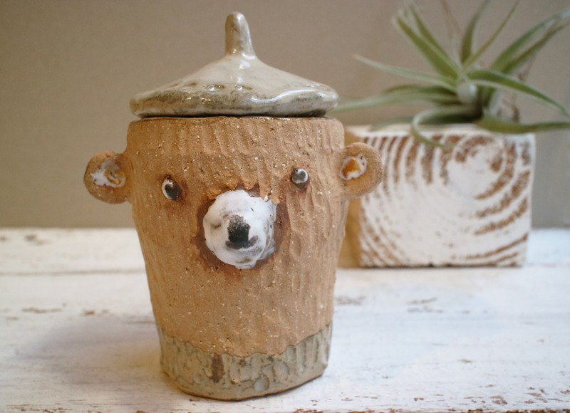 Hand-made pottery chestnut chestnut bear sauce cup storage cup