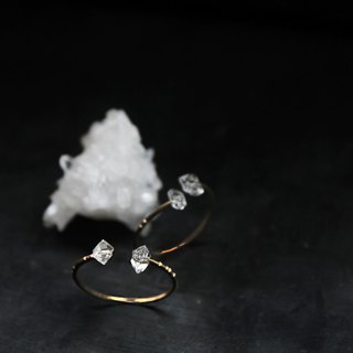 Che | Herkimer Diamond Hagemon's bare adjustable tail ring