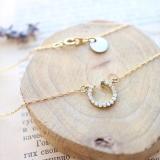 Lucky circle-Zircon brass necklace