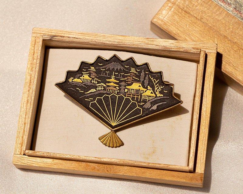 日本Amita古董象嵌 24K金/銀鑲嵌工藝 富士山閣寺田園 扇子別針