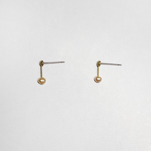 half's half- whisper (powder) - Pearl / Brass / earrings / pink / Stainless Steel Ear