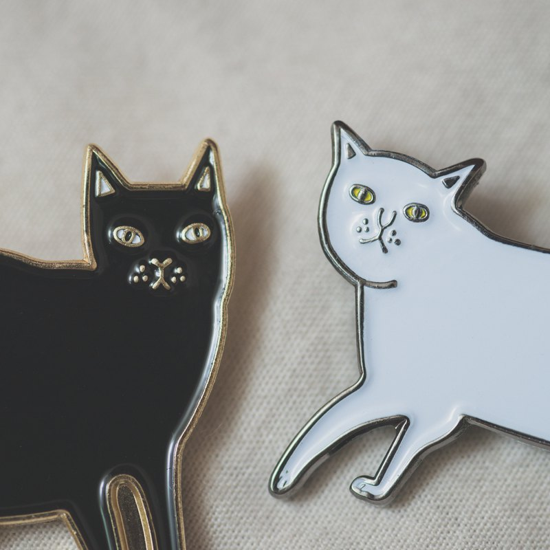 Black cat white cat combination pin