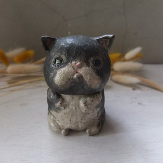 [Tao] flat face black and white cat pottery