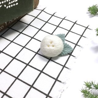 Fruit pin I snow white forest series of small objects. Carefully selected wool. Safe non-toxic dye I exchange gifts