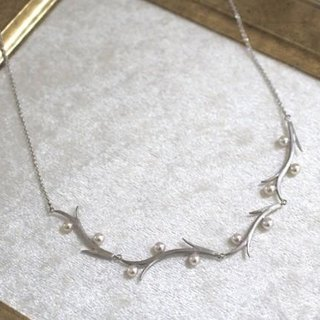 Branch of Akoya pearl necklace 3 (silver color)