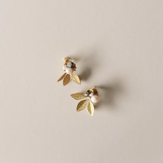 Febbi Olive Leaf Pearl Earrings