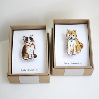 Cat and Dog couples hand-embroidery brooch