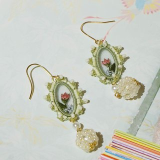 Lu Lita original design embroidery beaded earrings tulip embroidered earrings can be customized ear hook