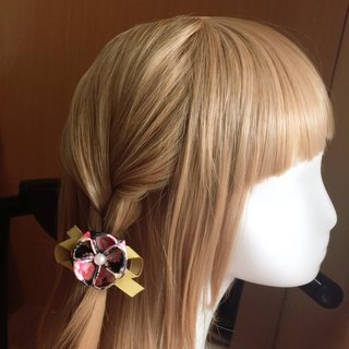 Elegant and small flowers. Hair bundle / hair clip