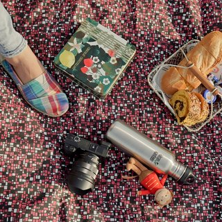 Traveler & Picnic // Portable Camping and Picnic Outdoor Blankets