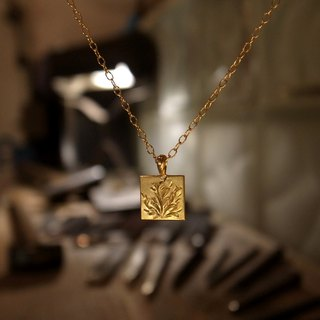 K18 karat gold handmade necklace / Square M for Men